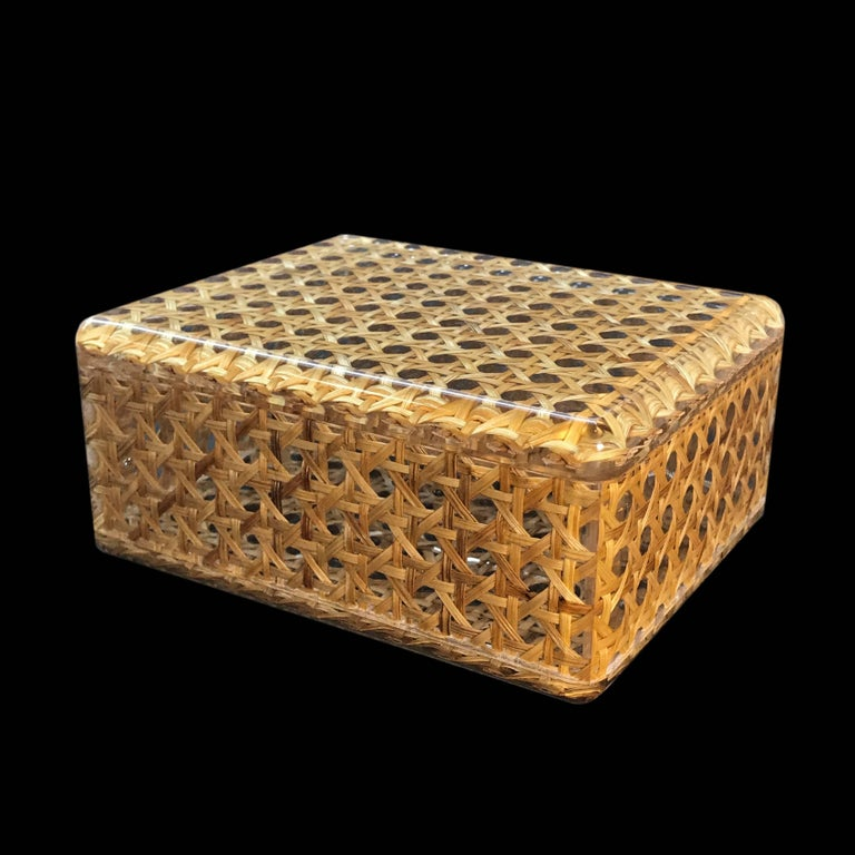 Box in Lucite and Wicker, Italy, 1970s Vienna Straw.  Christian Dior Style 1970 For Sale 4