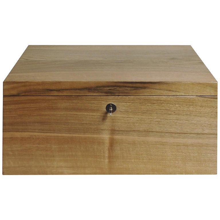 Box in Walnut Wood For Sale
