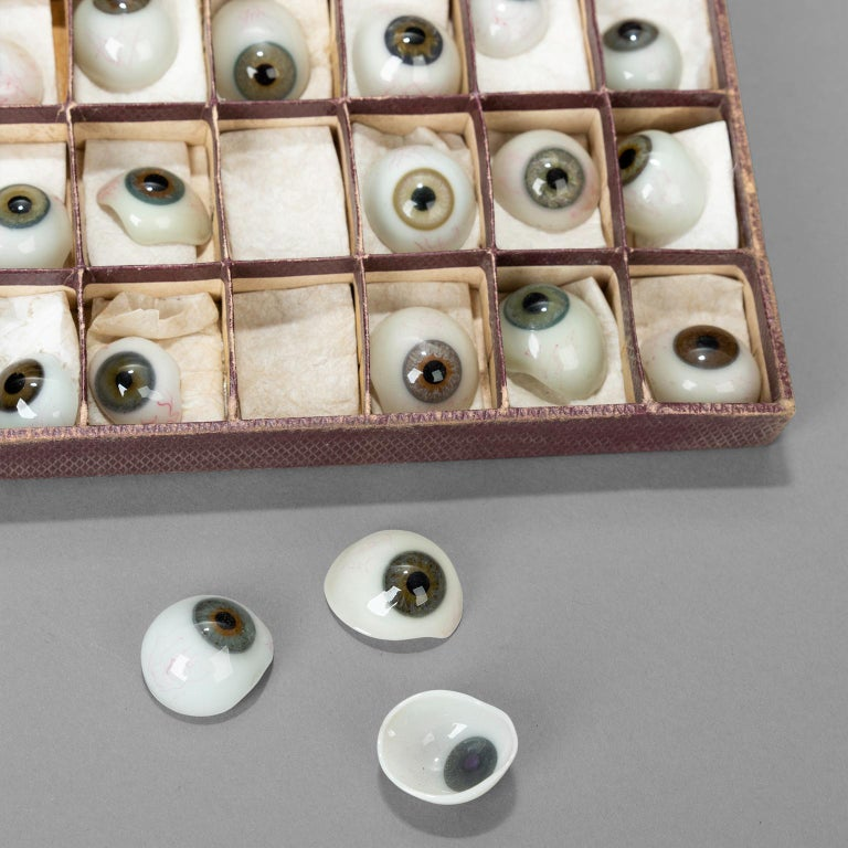 French Box of 50 Blown Glass Eyes, circa 1920 For Sale