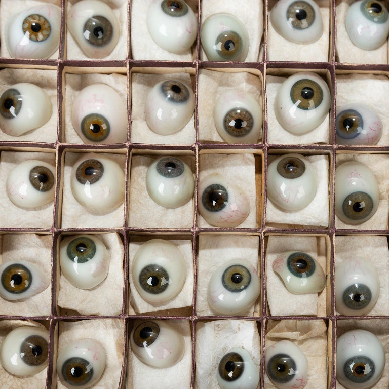 Early 20th Century Box of 50 Blown Glass Eyes, circa 1920 For Sale