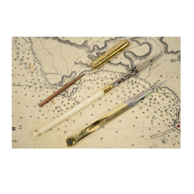 Box of Compasses from the Second Half of the 19th Century For Sale 3