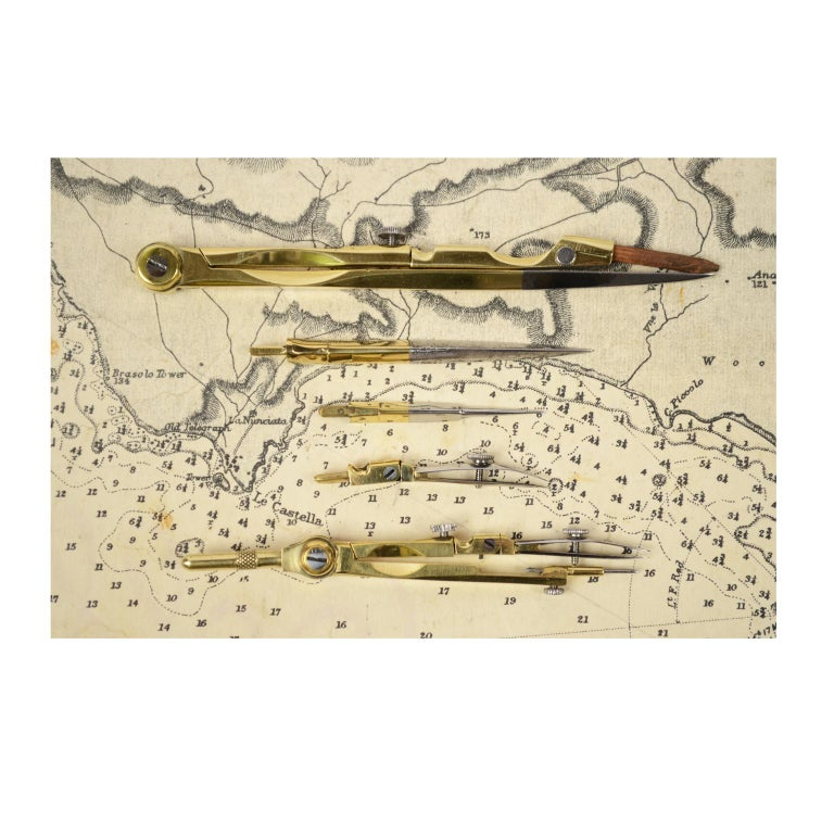 Box of Compasses from the Second Half of the 19th Century For Sale 4