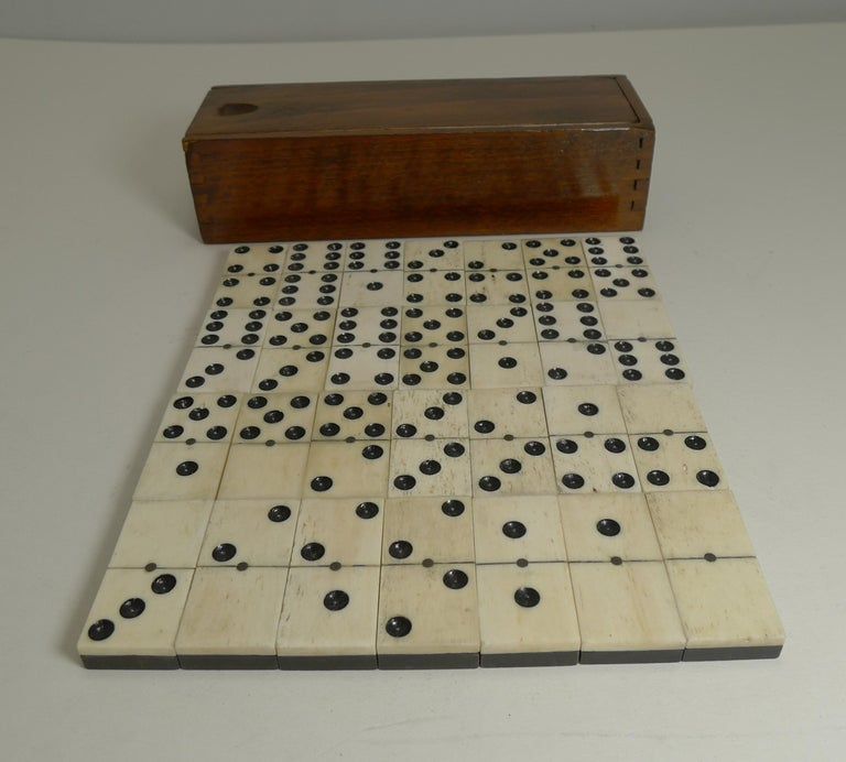 Boxed Set Antique English Bone and Ebony Dominoes, circa 1910 For Sale 3