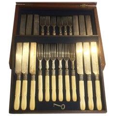 Box Set von 12 Australischen Viktorianischen Messern und Gabeln Geschnitzte Griffe