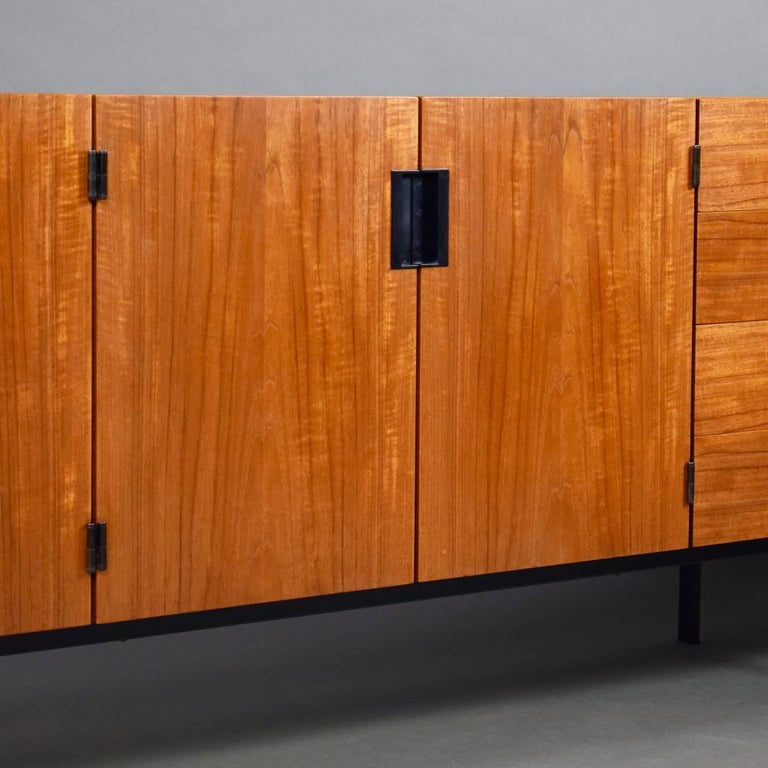 Braakman Japanese Series DU03 Sideboard for Pastoe, 1960 In Excellent Condition For Sale In Pijnacker, Zuid-Holland