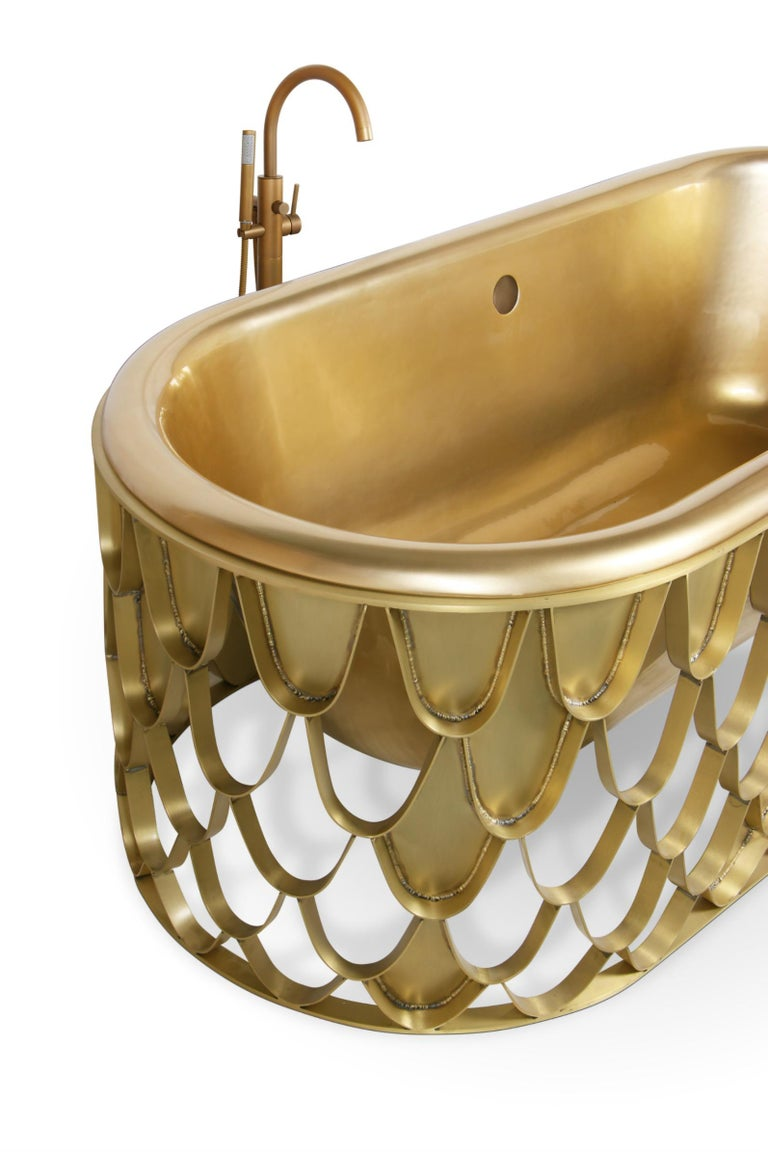 Portuguese Brabbu Koi Bathtub in Brushed Iron and Base Brass For Sale