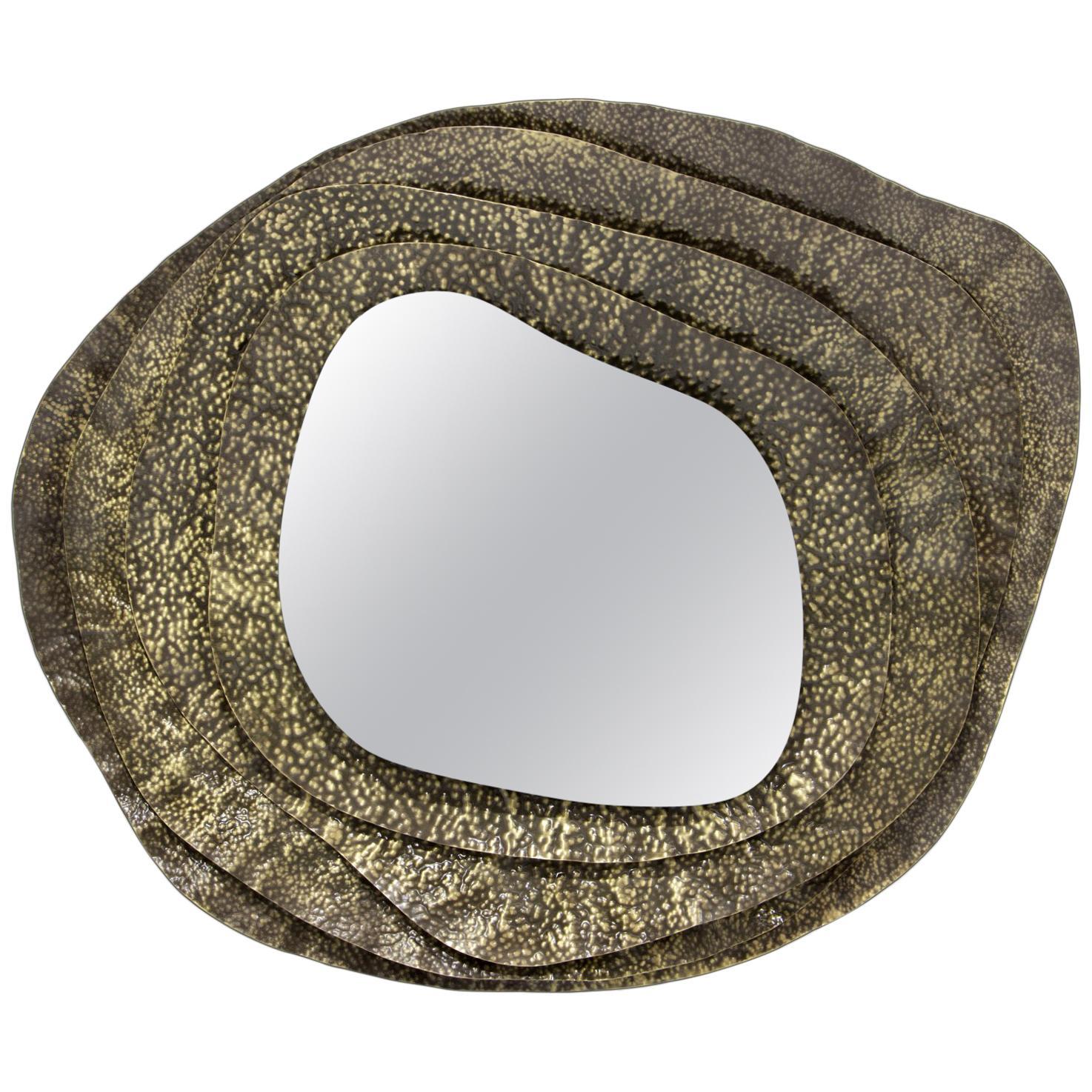 Kumi II Round Mirror in Hammered Aged Brass