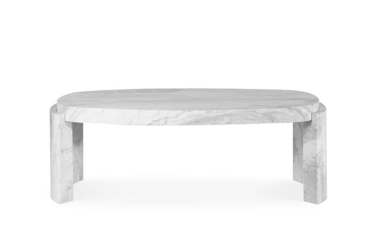 Pietro Tacca was a sculptor whose statues were odes to war victories & trophies. TACCA centre table, with its white Carrara marble top, was also built like a timeless statue. This coffee table brings to any living room set the satisfaction of