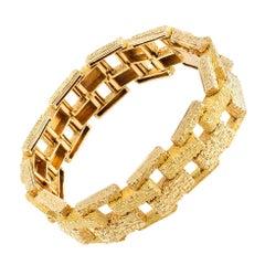 Bracelet 18 Karat Gold of Interlocking Brick Pattern French, circa 1970