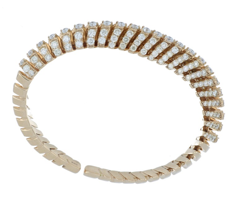 Women's Bracelet Rose Gold 18 Karat with Cream and White Diamonds Color G VS, Handmade For Sale