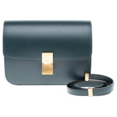 Brand New Céline Classic handbag with strap in green calfskin and gold hardware
