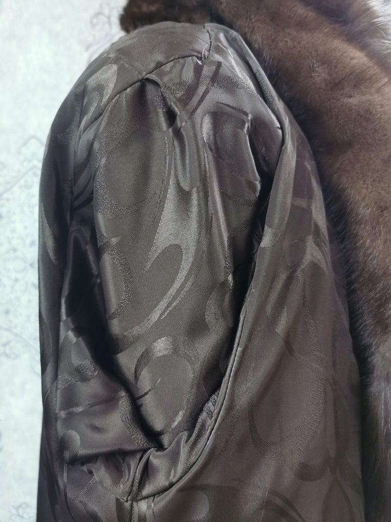 Brand New Demi Buff Mink Fur Swing Coat With Silver Fox Fur Trim (Size 14-L) For Sale 6