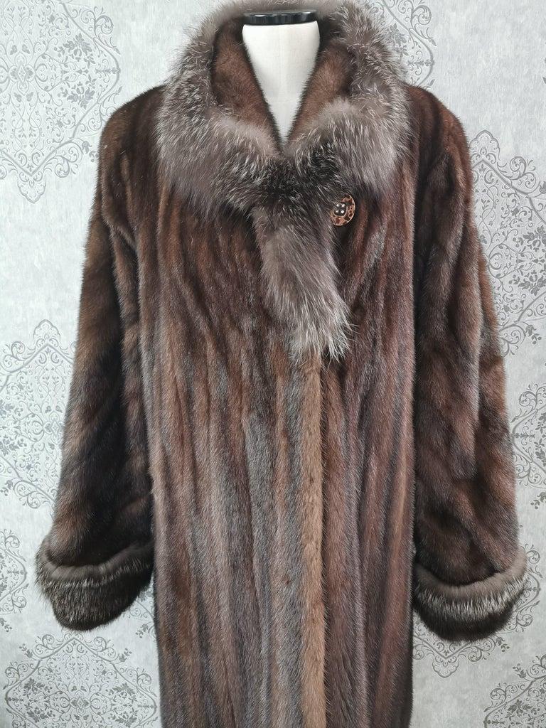 Women's Brand New Demi Buff Mink Fur Swing Coat With Silver Fox Fur Trim (Size 14-L) For Sale