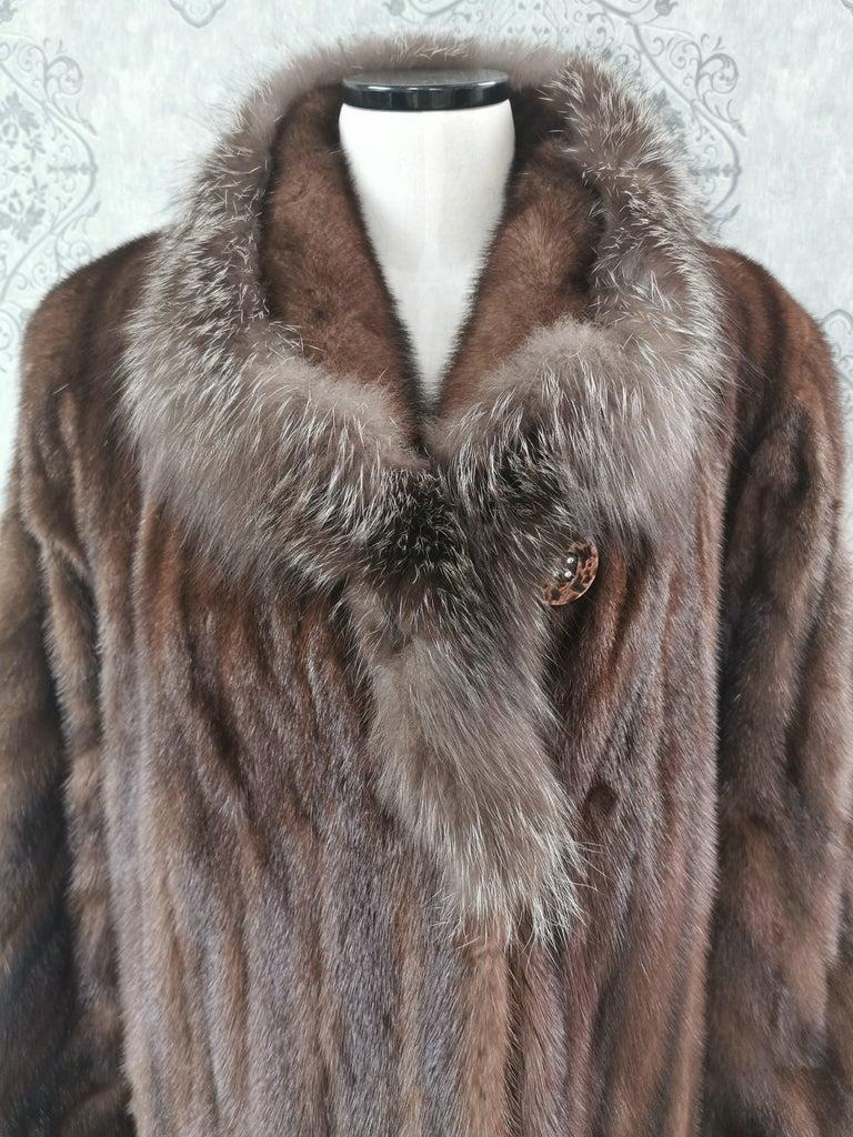 Brand New Demi Buff Mink Fur Swing Coat With Silver Fox Fur Trim (Size 14-L) For Sale 1