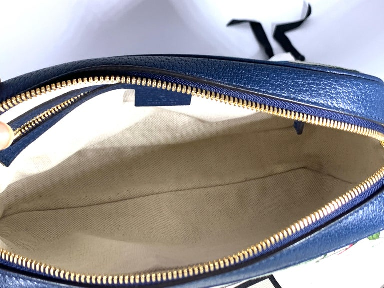 Brand New GUCCI Womens Small  Flora Canvas and Blue Leather  Shoulder Handbag For Sale 3