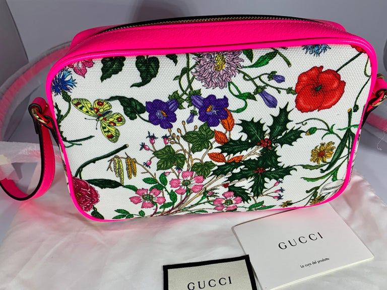 Brand New GUCCI Women's Small  Flora Canvas and Pink Leather  Shoulder Handbag In New Condition For Sale In Scarsdale, NY