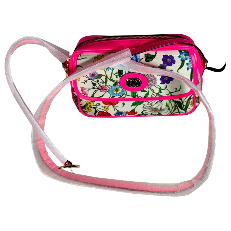 Brand New GUCCI Women's Small  Flora Canvas and Pink Leather  Shoulder Handbag For Sale