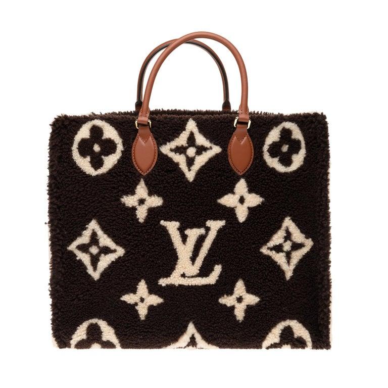 Black BRAND NEW Limited Edition Louis Vuitton Onthego Teddy Fleece handbag For Sale