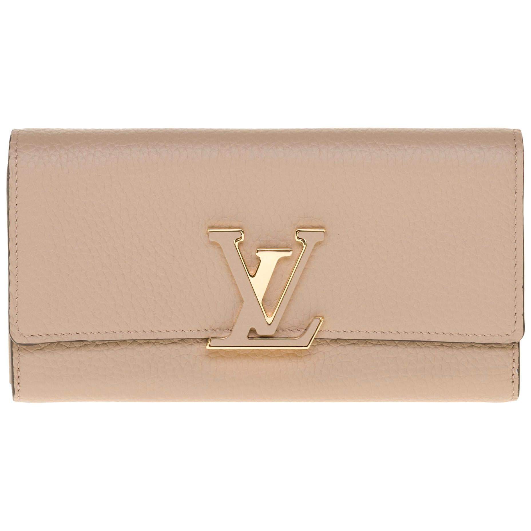 Brand New Louis Vuitton Capucines GM Wallet in beige Taurillon leather