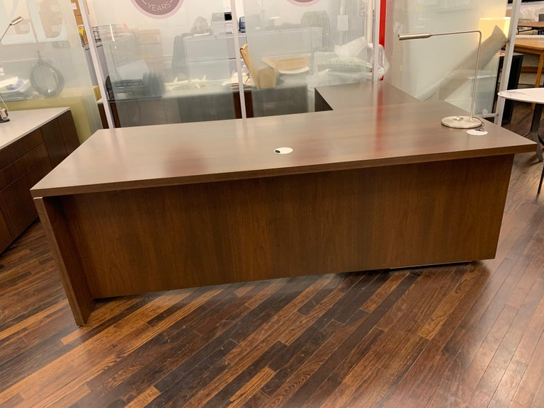 M2L brand wood desk