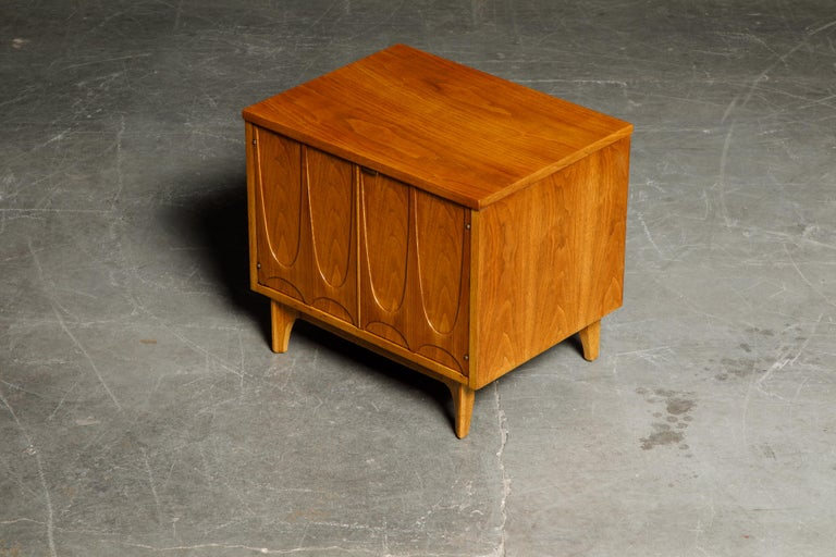 'Brasilia' by Broyhill Premier Pair of End Tables, Refinished, 1960s For Sale 3