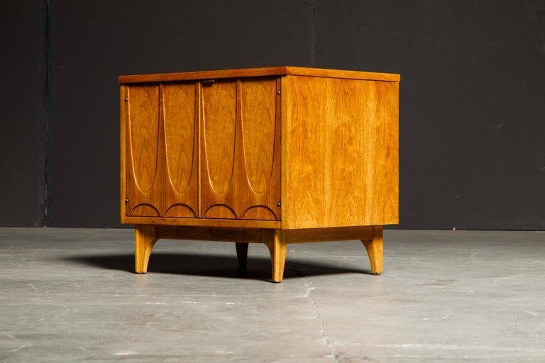 'Brasilia' by Broyhill Premier Pair of End Tables, Refinished, 1960s For Sale 1