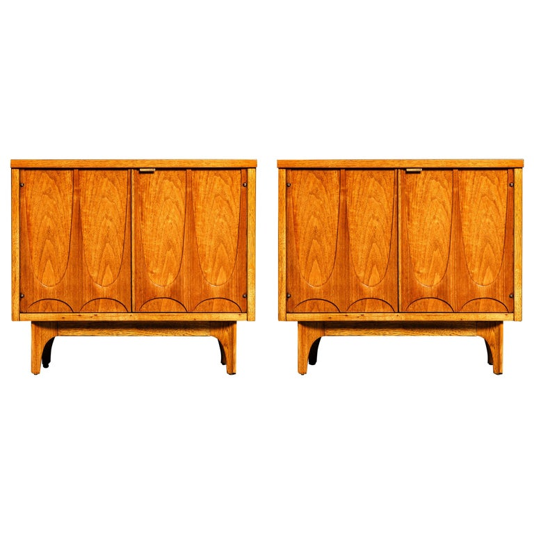 'Brasilia' by Broyhill Premier Pair of End Tables, Refinished, 1960s For Sale