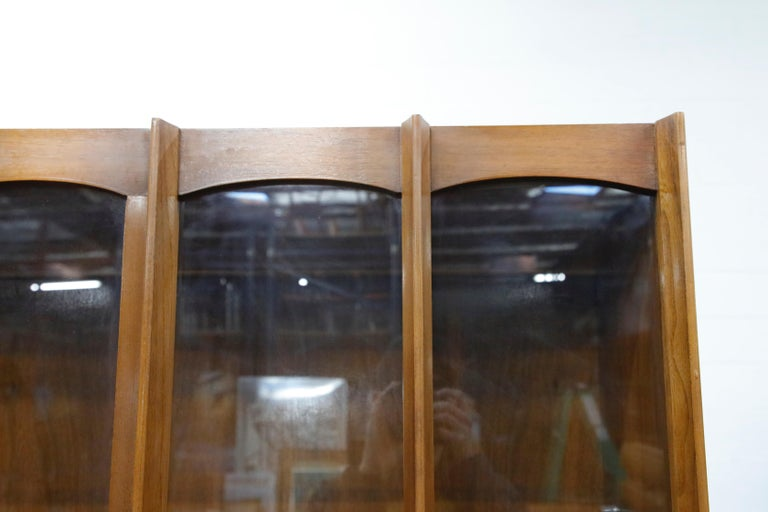 Glass Brasilia Styled Mid-Century Modern China Display Cabinet with Hutch, circa 1950s For Sale