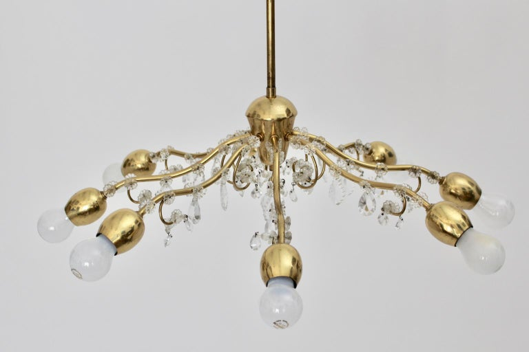 Brass and Crystal Mid-Century Modern J & L Lobmeyr Chandelier Vienna, 1950s For Sale 3