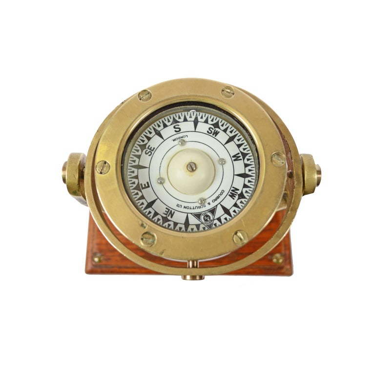 Brass and Glass Nautical Compass on Oak Wooden Board, London, 1860 For Sale 4