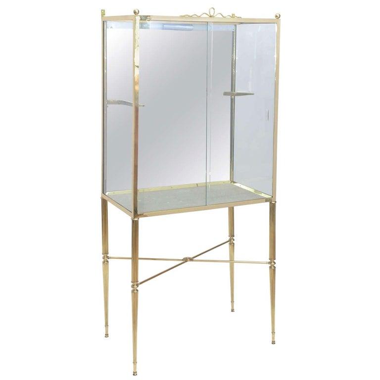 Brass and Glass Vitrine in the Manner of Osvaldo Borsani For Sale