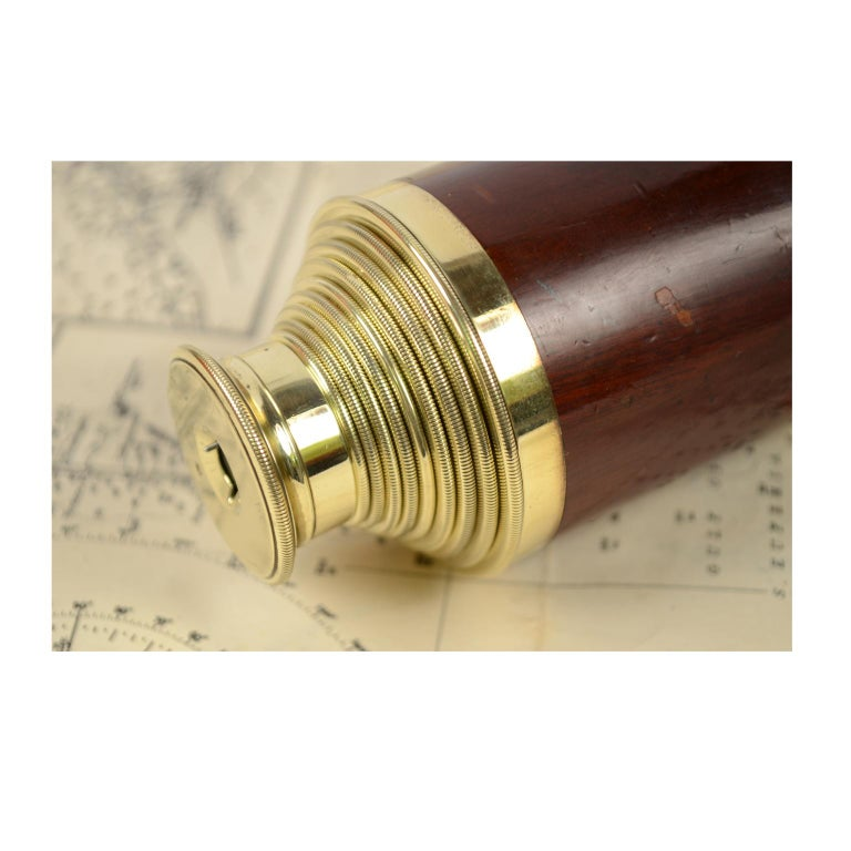 Brass and Mahogany Telescope with Nine Extensions, France, Mid-1800s For Sale 5