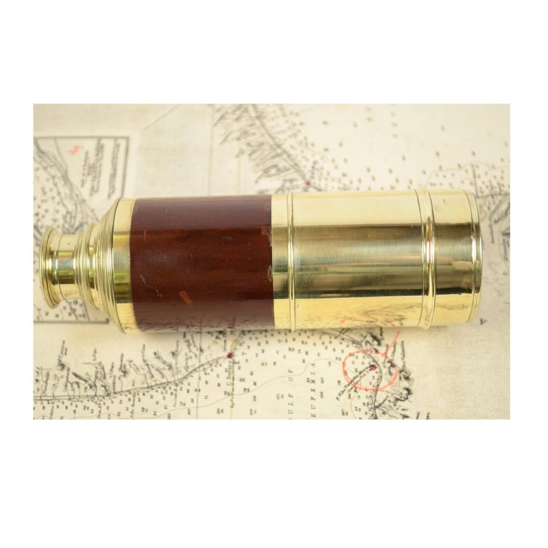 Brass and Mahogany Telescope with Nine Extensions, France, Mid-1800s For Sale 6