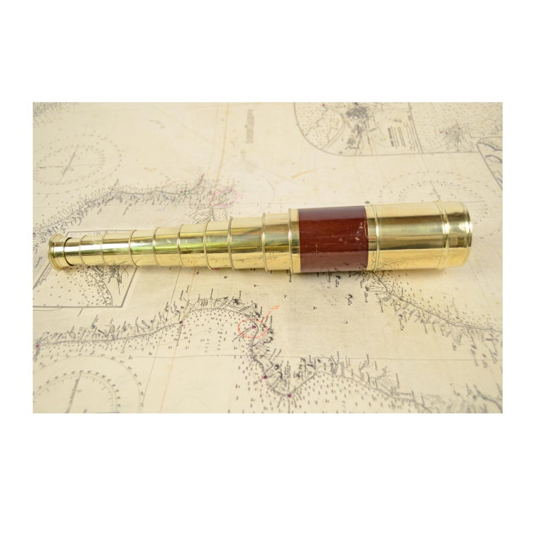 Mid-19th Century Brass and Mahogany Telescope with Nine Extensions, France, Mid-1800s For Sale
