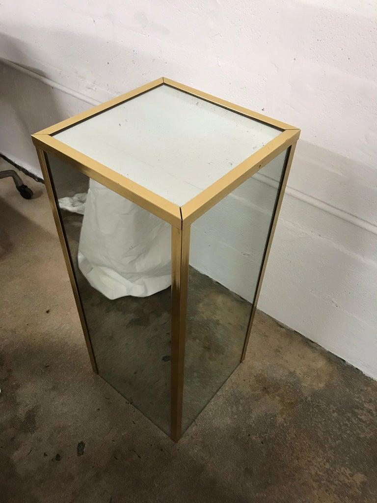 Brass and Mirror Pedestal  In Good Condition In Miami, FL