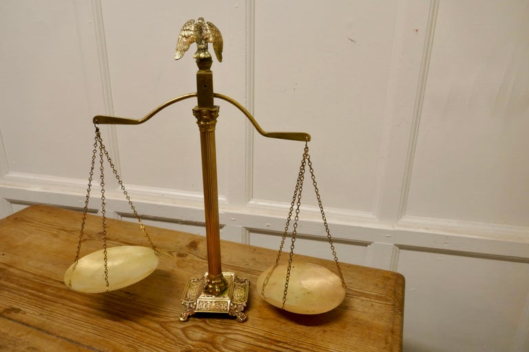 Brass Balance Shop Scales with Eagle Crest In Good Condition For Sale In Chillerton, Isle of Wight