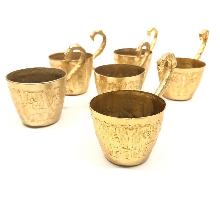 Late 20th Century Brass Barrel on Stand, Serving Tray Beverage Drink Cup Set Vintage For Sale