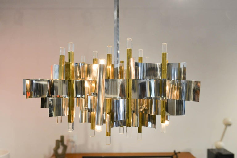Late 20th Century Brass, Chrome and Lucite Chandelier by Gaetano Sciolari, Italy, circa 1970 For Sale