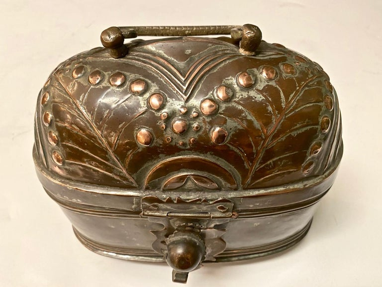 Brass Coach or Foot Warmer In Good Condition For Sale In Pasadena, CA