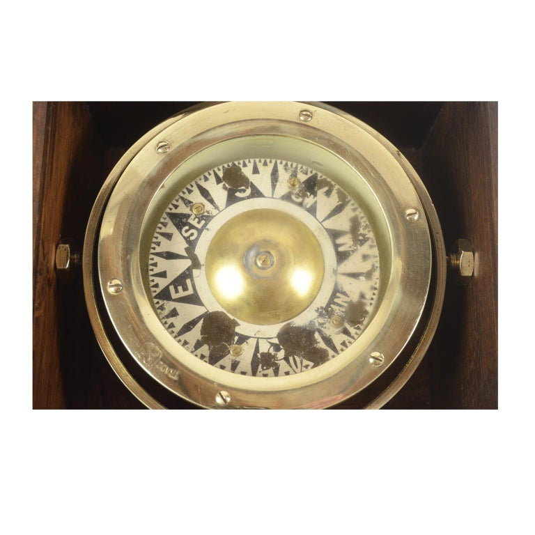 Brass Compass in its Original Wooden Box, circa 1880 In Good Condition For Sale In Milan, IT