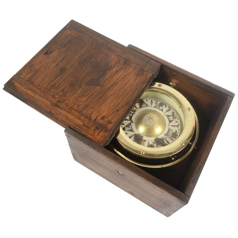 Brass Compass in its Original Wooden Box, circa 1880 For Sale