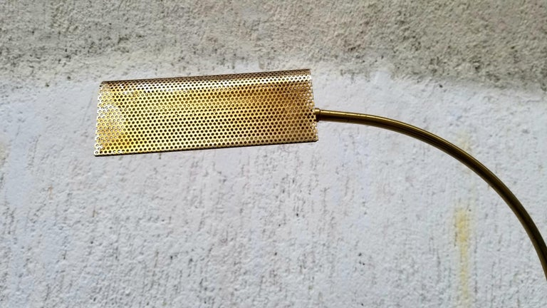 Brass Floor Lamp In Good Condition For Sale In Los Angeles, CA