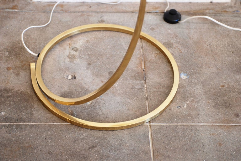 Brass Leaf Floor Lamp by Tommaso Barbi For Sale 4