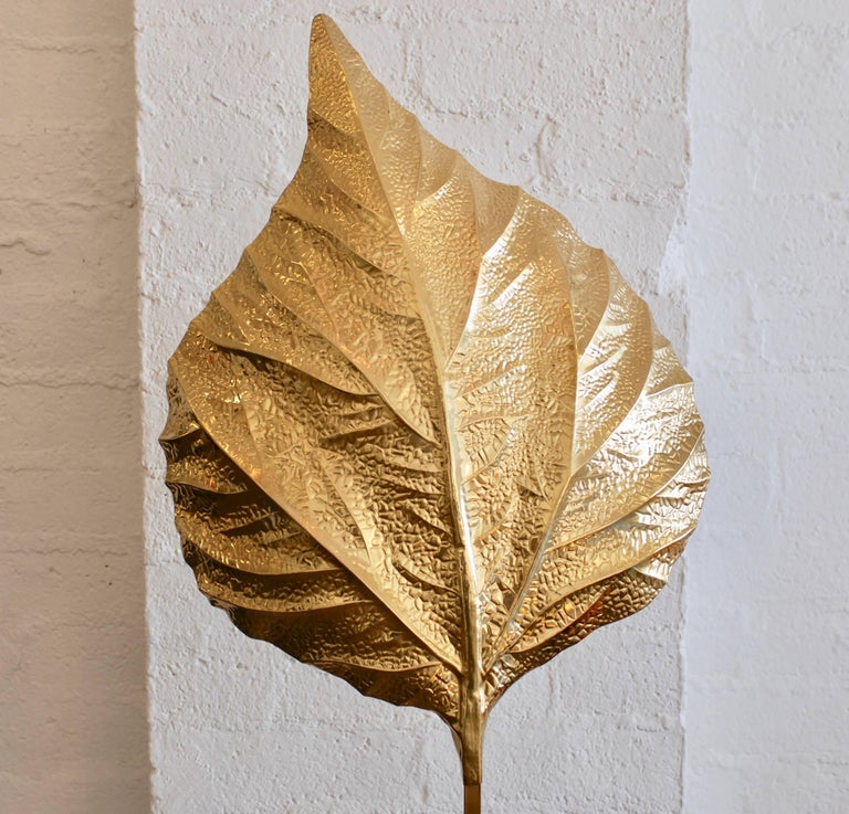 Brass Leaf Floor Lamp by Tommaso Barbi For Sale 7