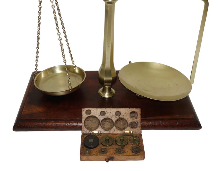 Brass Merchants Scale on Mahogany Base with Weights, English, 19th Century For Sale 5