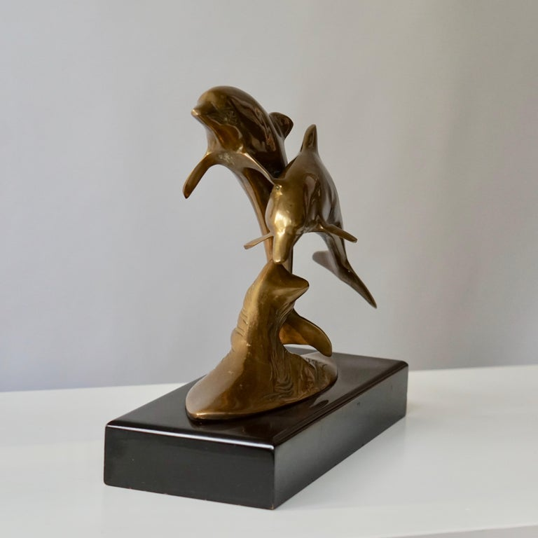 Brass Sculpture of Dolphins In Good Condition For Sale In Antwerp, BE