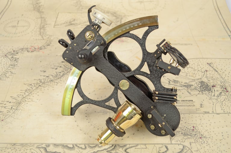 Mid-20th Century Brass Sextant in its Original Oak Wood Box, 1940s For Sale