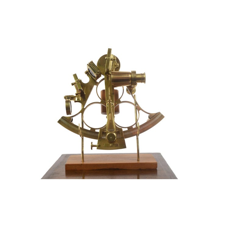 Brass sextant made the second half of the 19th century, placed in its original wooden box. Vernier of engraved silver, handle of boxwood, 3 colored glasses for the fixed mirror and 4 for the mobile one, a telescope, a microscope for reading the