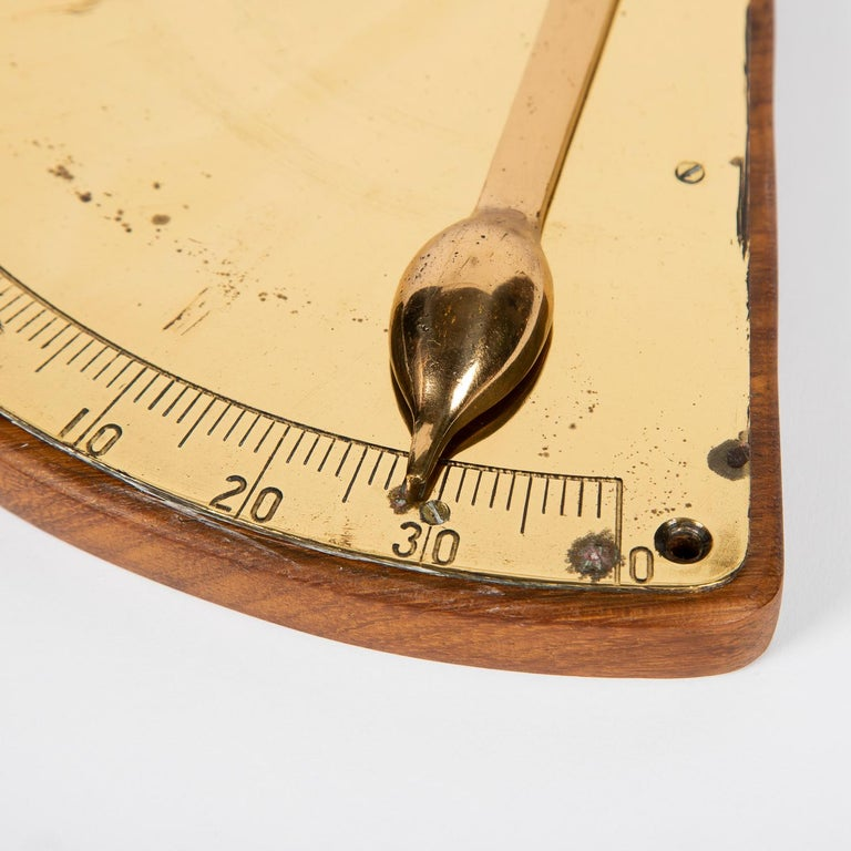 Brass Ship's Inclinometer, circa 1910 In Good Condition For Sale In London, GB