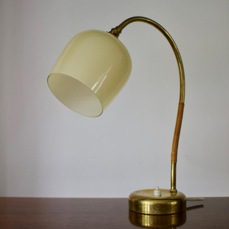 Scandinavian Modern Brass Table Lamp with Glass Shade by Idman Oy, Finland 1950s For Sale